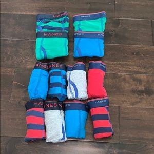 New Hanes tagless boxer briefs! Size M 10-12!